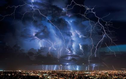 massive-lightning-1920x1080-Widescreen-High-Resolution-1080p-HD-Desktop-Wallpaper2.jpg