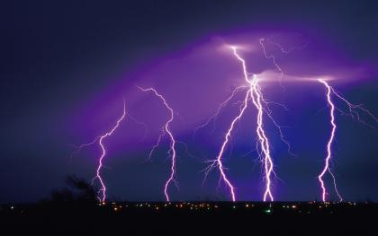 High-Quality-Lightning-Strike-Wallpaper.jpg