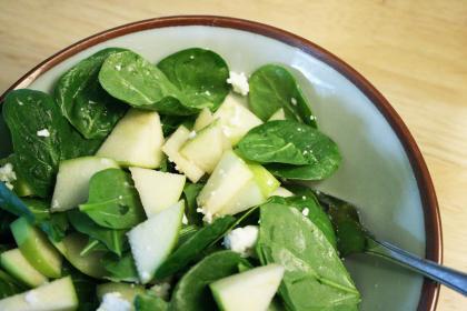 深绿色蔬菜里富含维生素E.jpg