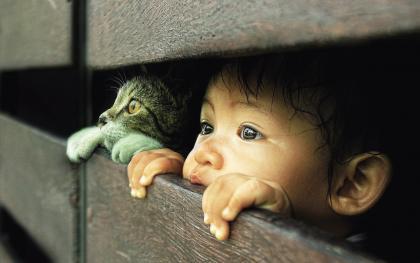 常与宠物接触的幼儿长大后不易患过敏类疾病。.jpg